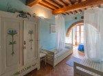 632 apartment-in-farmhouse-Tuscany-bedroom 1