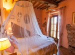 632 apartment-in-farmhouse-Volterra-bedroom 2