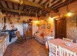 632 apartment-in-farmhouse-Volterra-kitchen(2)