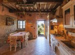 632 apartment-in-farmhouse-Volterra-kitchen(3)